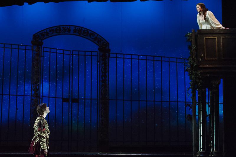 Jason Slayden (Romeo) and Sara Gartland (Juliette) in DMMO's production of Gounod's Romeo et Juliette