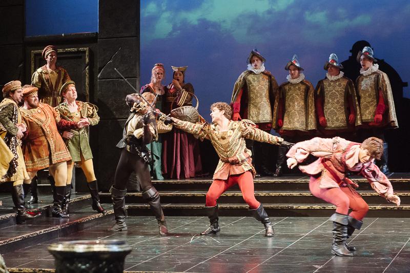 Capulets versus Montagues in DMMO's production of Gounod's Romeo et Juliette