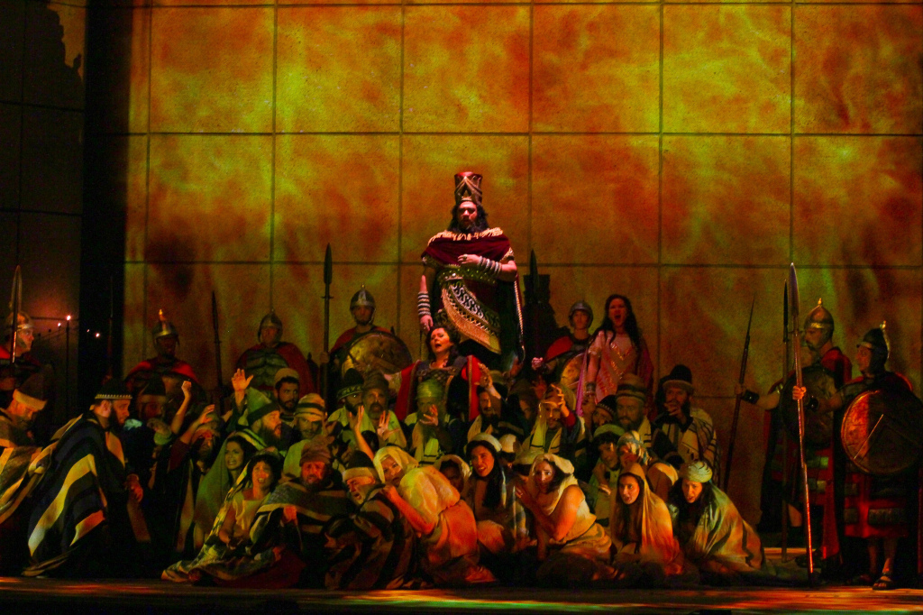 Gordon Hawkins as Nabucco, Brenda Harris as Abigaille and the Opera Carolina Chorus. Photo by jonsilla.com