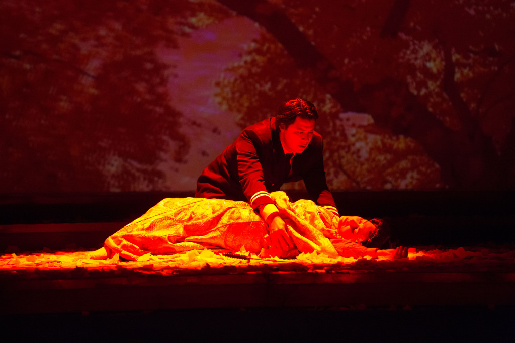 Pinkerton (Adam Diegel) arrives only in time to witness the death of  Cio-Cio-San (Dina Kuznetsova). Photo by  Jeff Roffman.